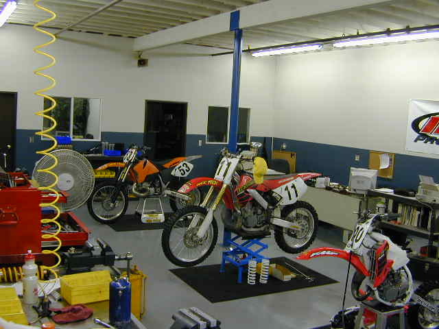 Motorcycle suspension experts